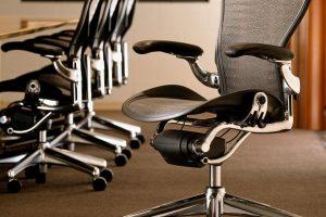 Как выбрать офисное кресло для работы за компьютером